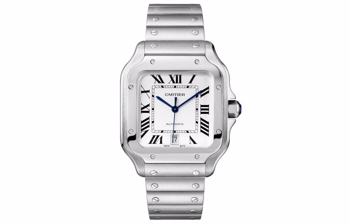 For the concise and elegant design style, this replica Cartier watch attracted a lot of attentions.