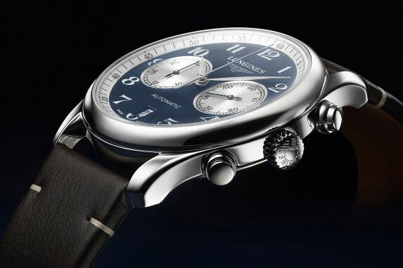 The white sub-dials are striking on the blue dial.