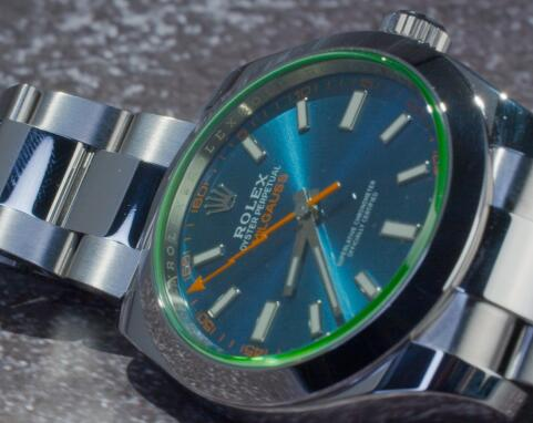 The orange second hand makes the watch very recognizable.