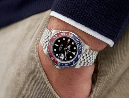 The blue and red bezel makes the timepiece striking and eye-catching.