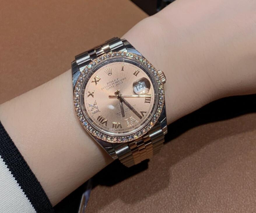 AAA replication watches well adapt to the wrists of ladies.